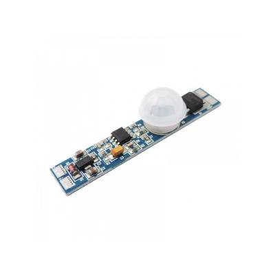 pohybový senzor do lišty, max 48W/12V,  doba sepnutí 60s, uhel záběru 120st.